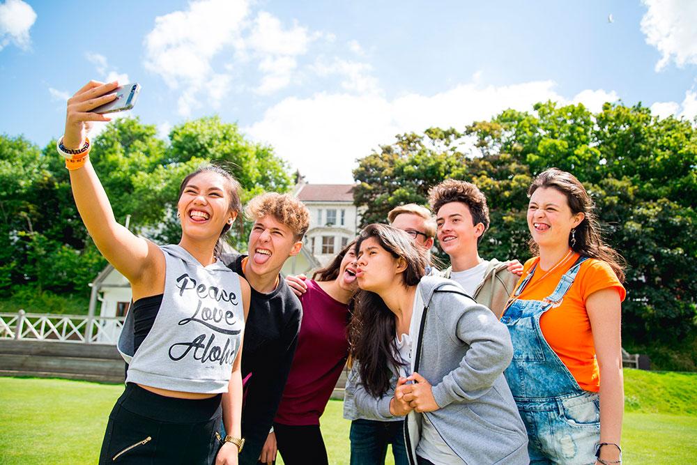cursos-online-gratuitos-para-jovenes-espanoles-en-el-exterior