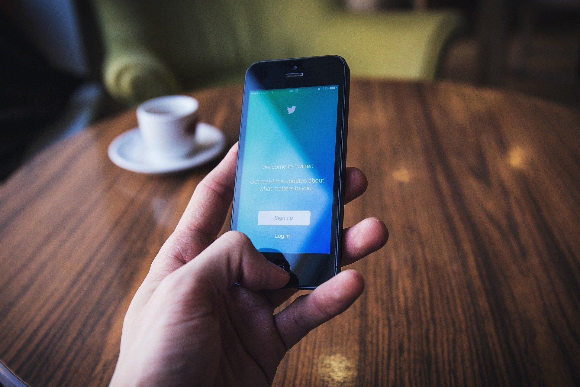 twitter-advertira-sobre-determinados-tuits-en-las-elecciones-de-eeuu