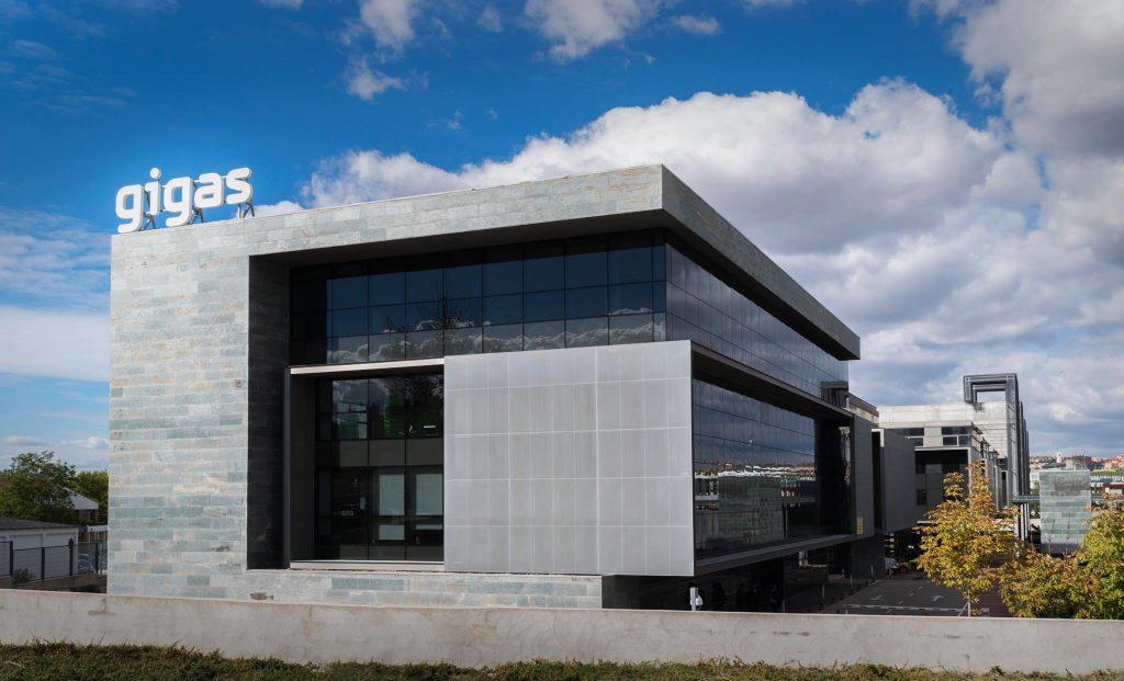 gigas-adquiere-oni,-operador-lider-de-telecomunicaciones-para-empresas-en-portugal,-por-40me