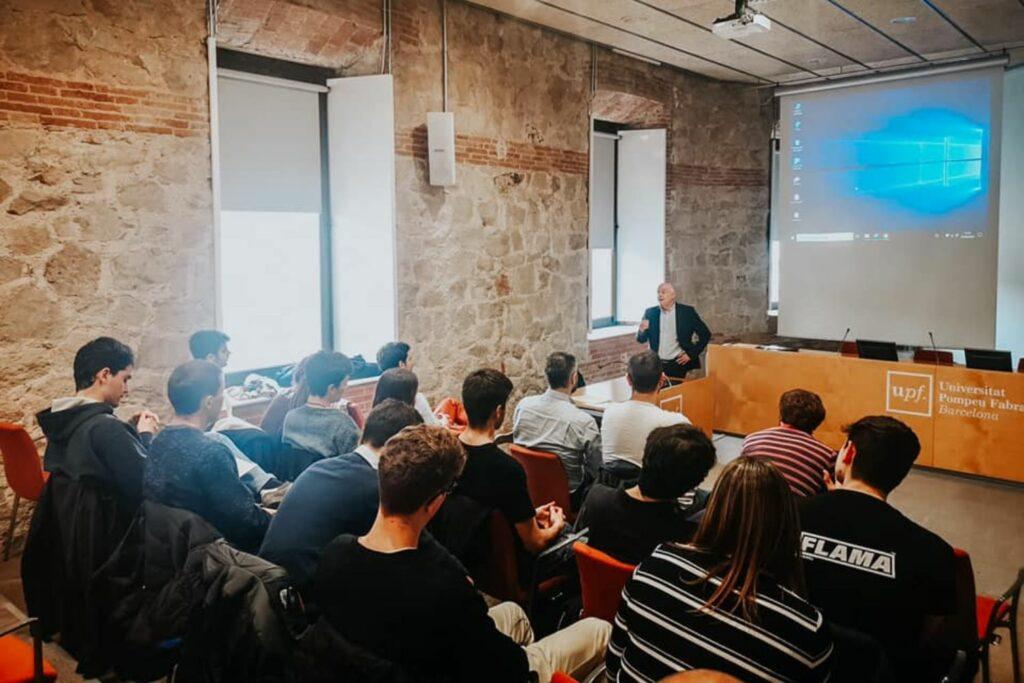 la-fundacion-innovacion-bankinter-abre-la-convocatoria-del-programa-akademia-2021